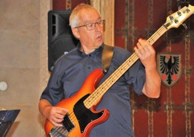 Hermann am Bass